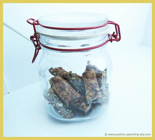 Easy kids snacks to store in a jar like cookies. Healthy banana snacks.