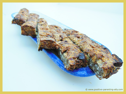 Banana snack cakes for kids as a healthy after school snack. No flour, no sugar.
