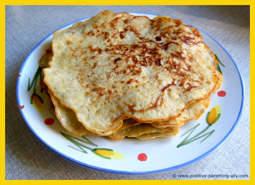 Banana pancakes as a really healthy kids snack.
