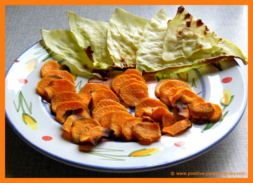 Delicious cabbage and sweet potatoe chips for kids and toddlers.