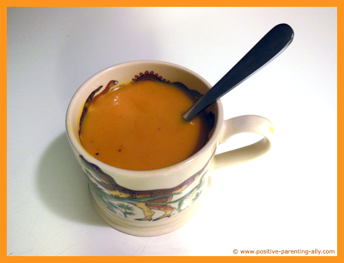 Healthy kids snack recipes. Creamy pumpkin soup snack for kids.