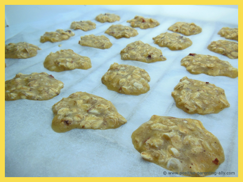 Sugar free and flour free cookies for kids: Banana oats cookies ready to go in the oven.