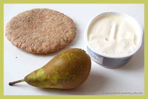Ingredients for the pear and pita snack.