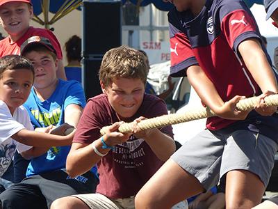 Children making tug of war.