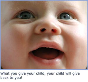 Positive parenting - cute baby picture of happy baby smiling
